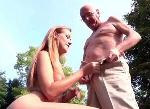 Old woman gives blowjob